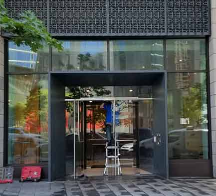 storefront,storefront door,storefront door repair,door repair,NYC doors,NYC door repair,Manhatan Door reapir,Manhattan storefront door repair,